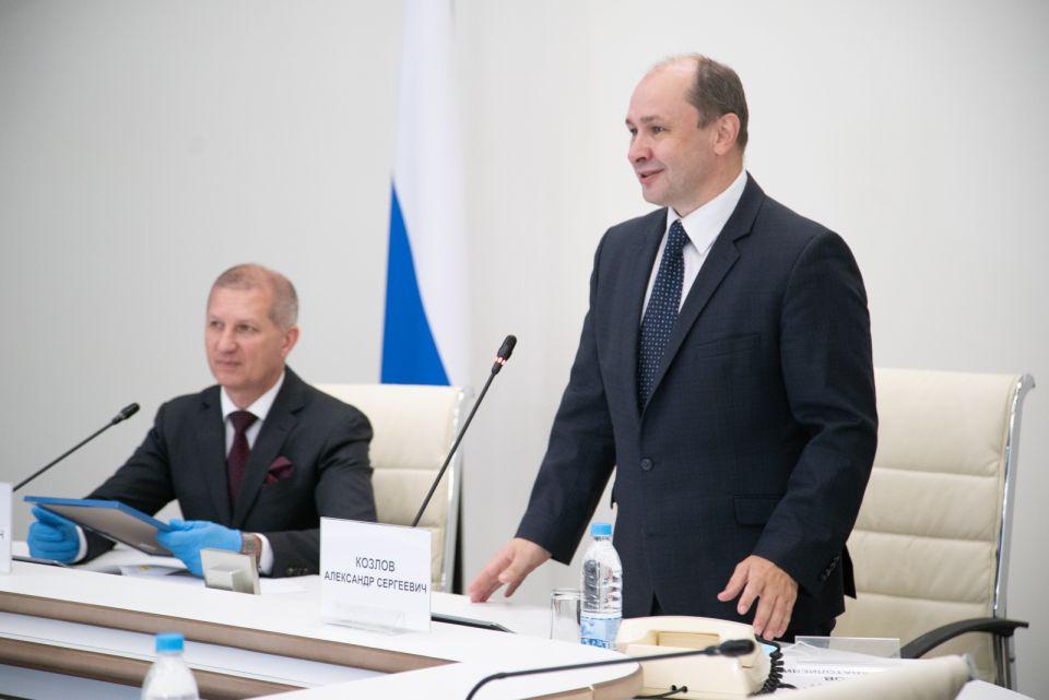 Александр Козлов заместитель министра строительства иЖКХ